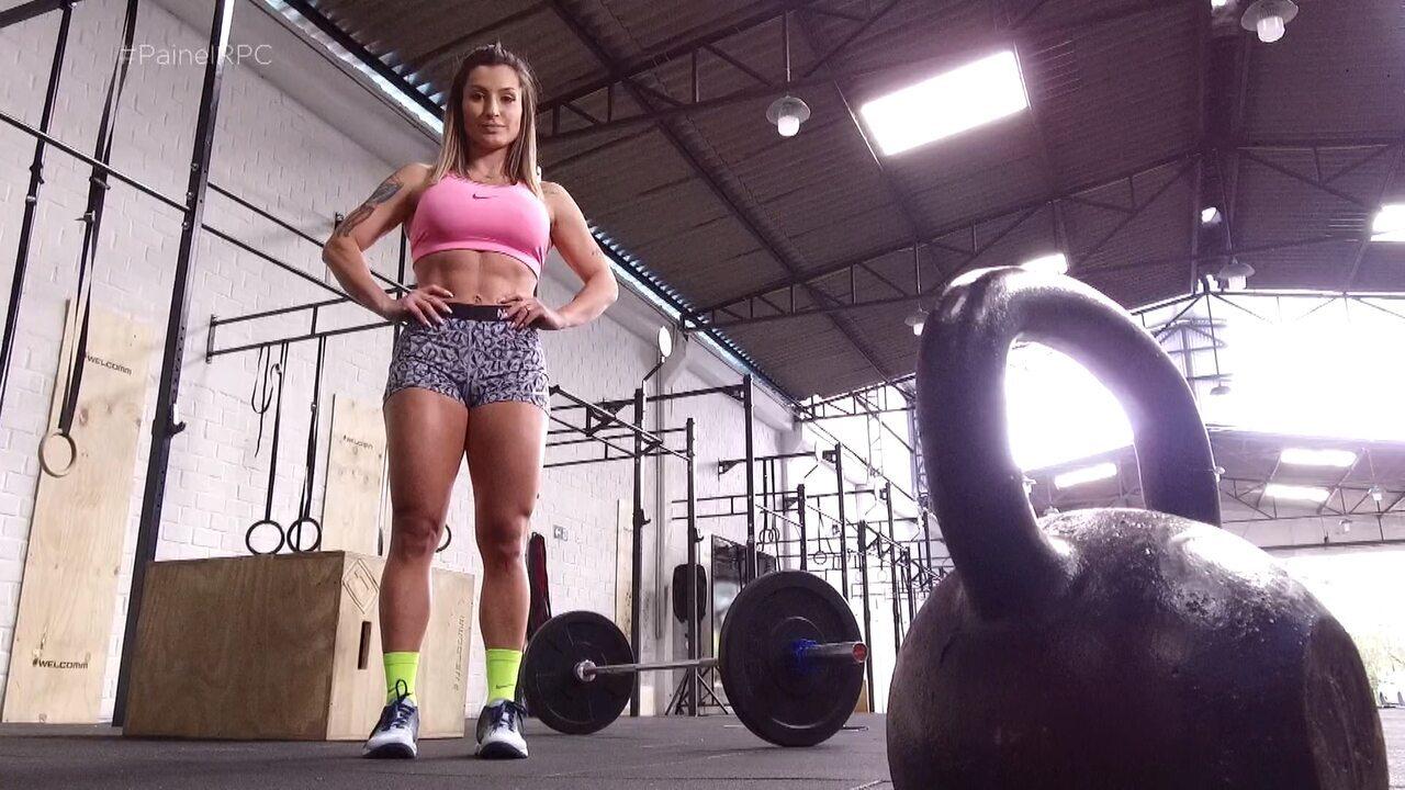 Cris Lemos, professora e musa fitness