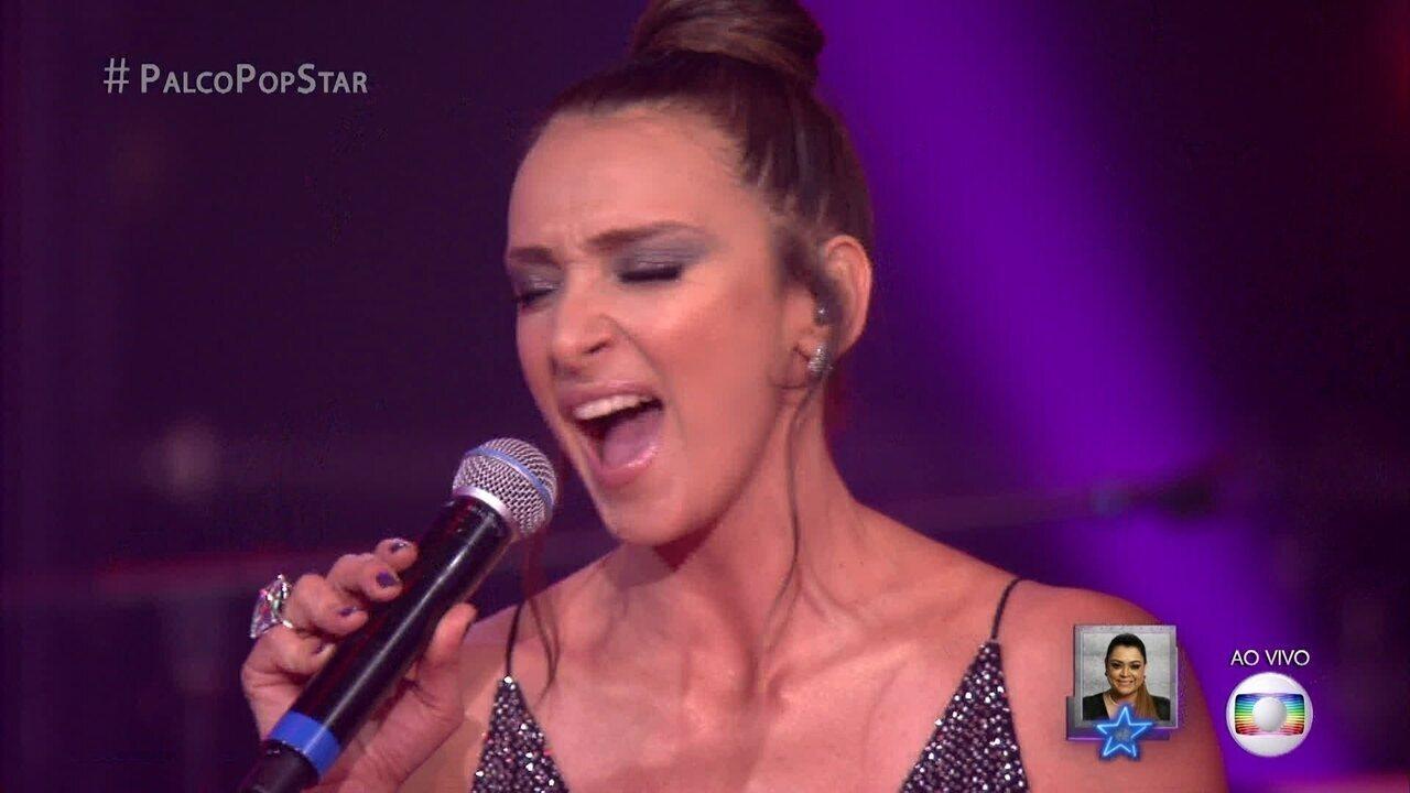 Sabrina Parlatore recebe elogios por estilo ao cantar