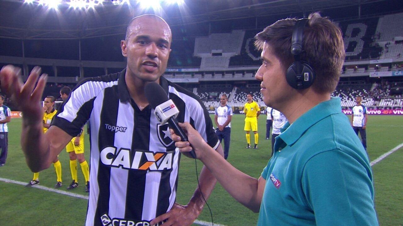 Autor dos gols do Botafogo, Roger diz que pensou em desistir do futebol