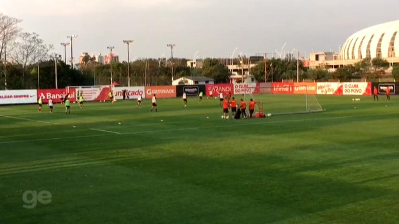 D'Alessandro e Danilo Silva voltam a treinar com o time do Internacional
