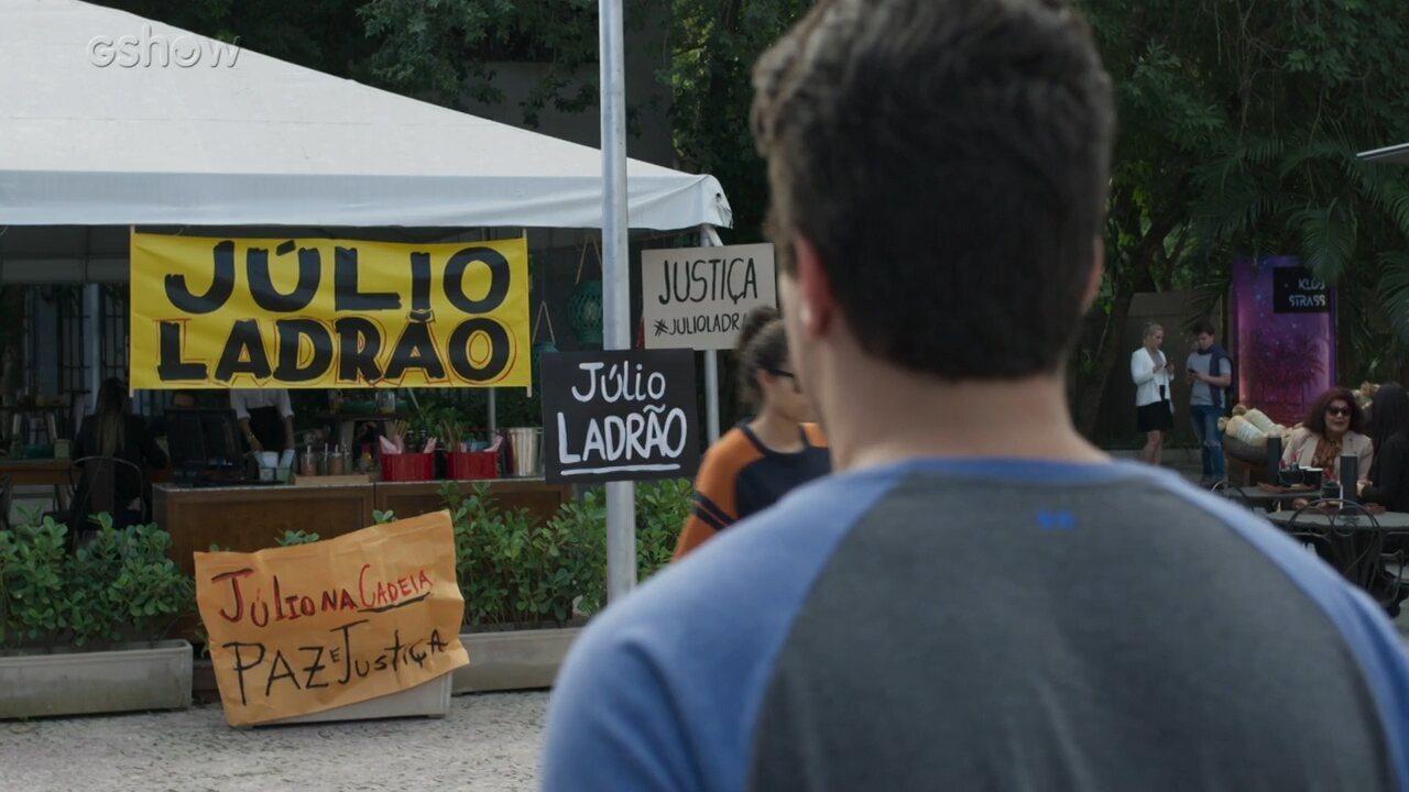 Teaser 'Pega Pega' 14/9: Júlio chega para trabalhar e se depara com faixas