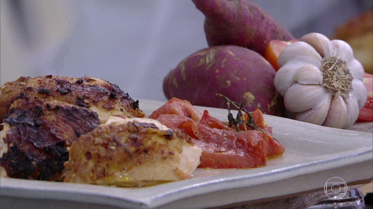 Peito de Frango Assado com Limão e Tomate Confitado