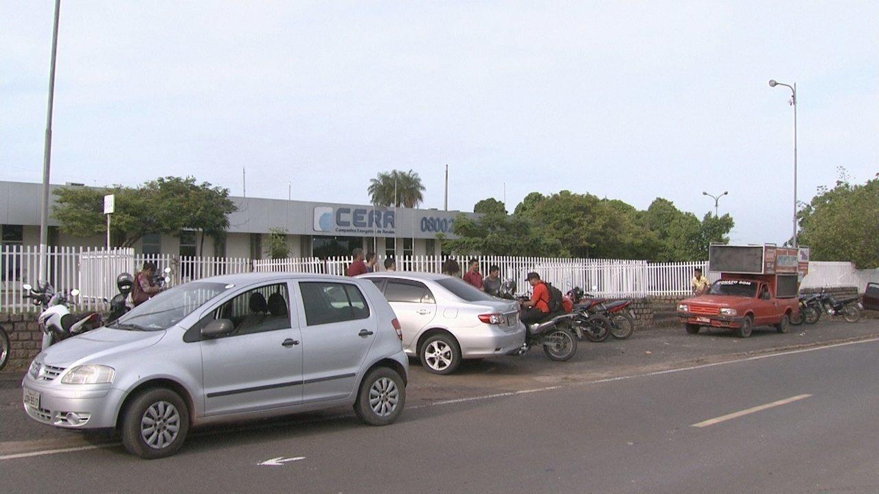 Falta de pagamento gera protesto de servidores da Cerr nesta quinta (14) em Boa Vista
