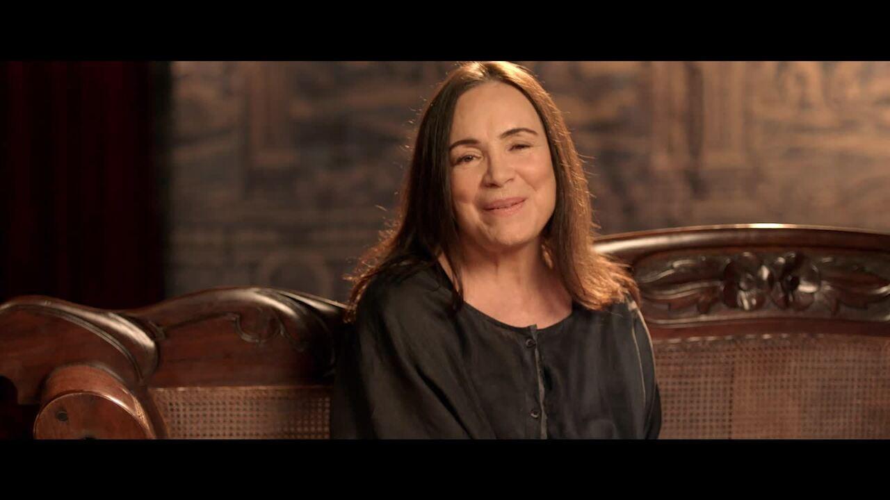 """Regina Duarte interpreta """"Amor Verdadeiro"""""""