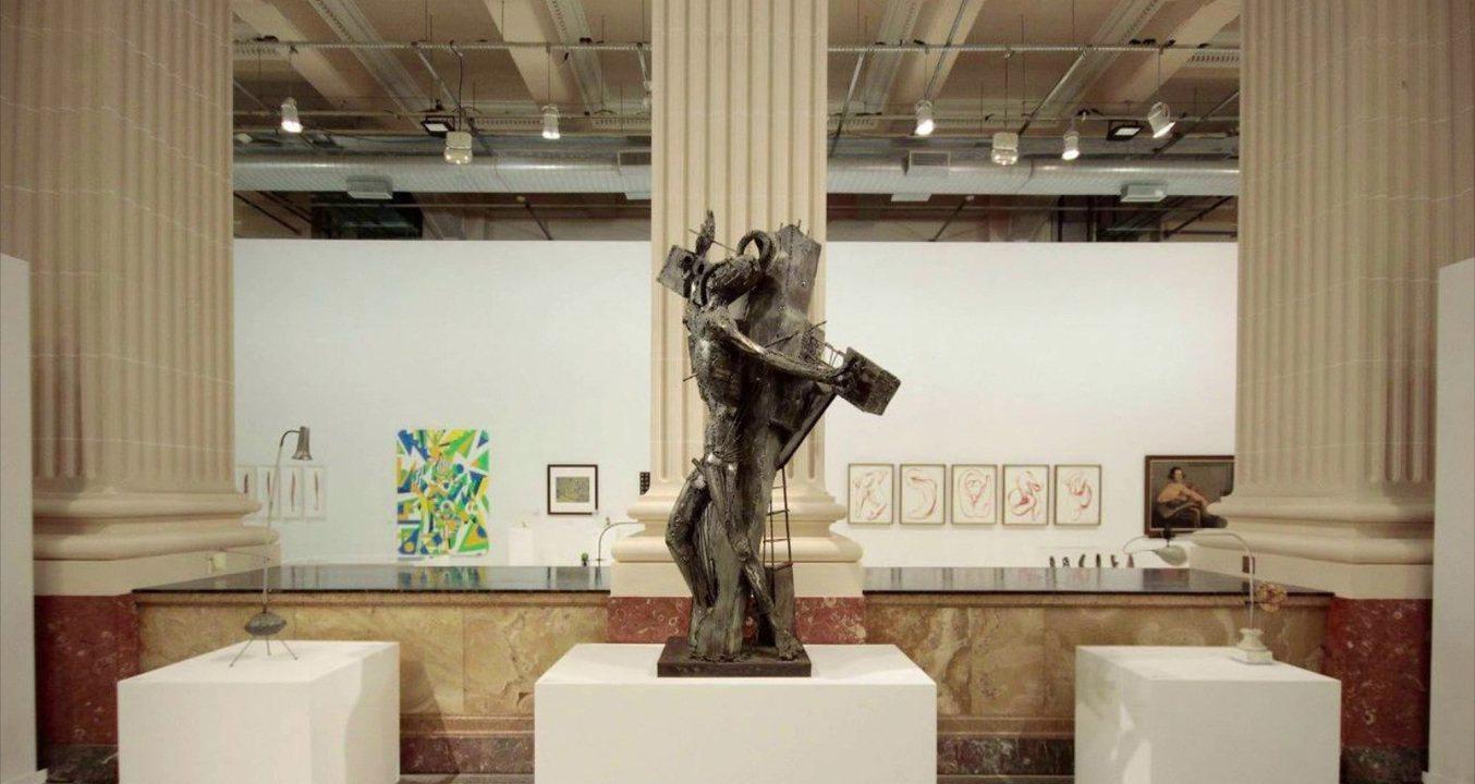 Ala conservadora da Câmara reage a polêmica em museus com projetos para regular exposições