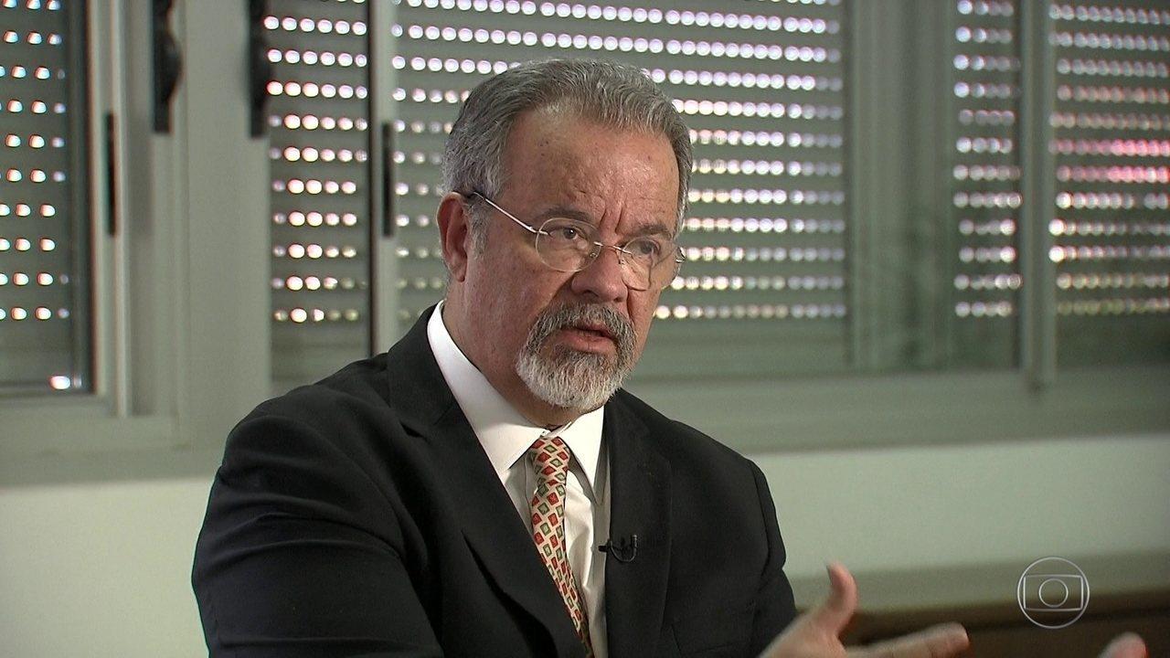 Ministro da Defesa pede força-tarefa federal para combater o crime organizado no Rio