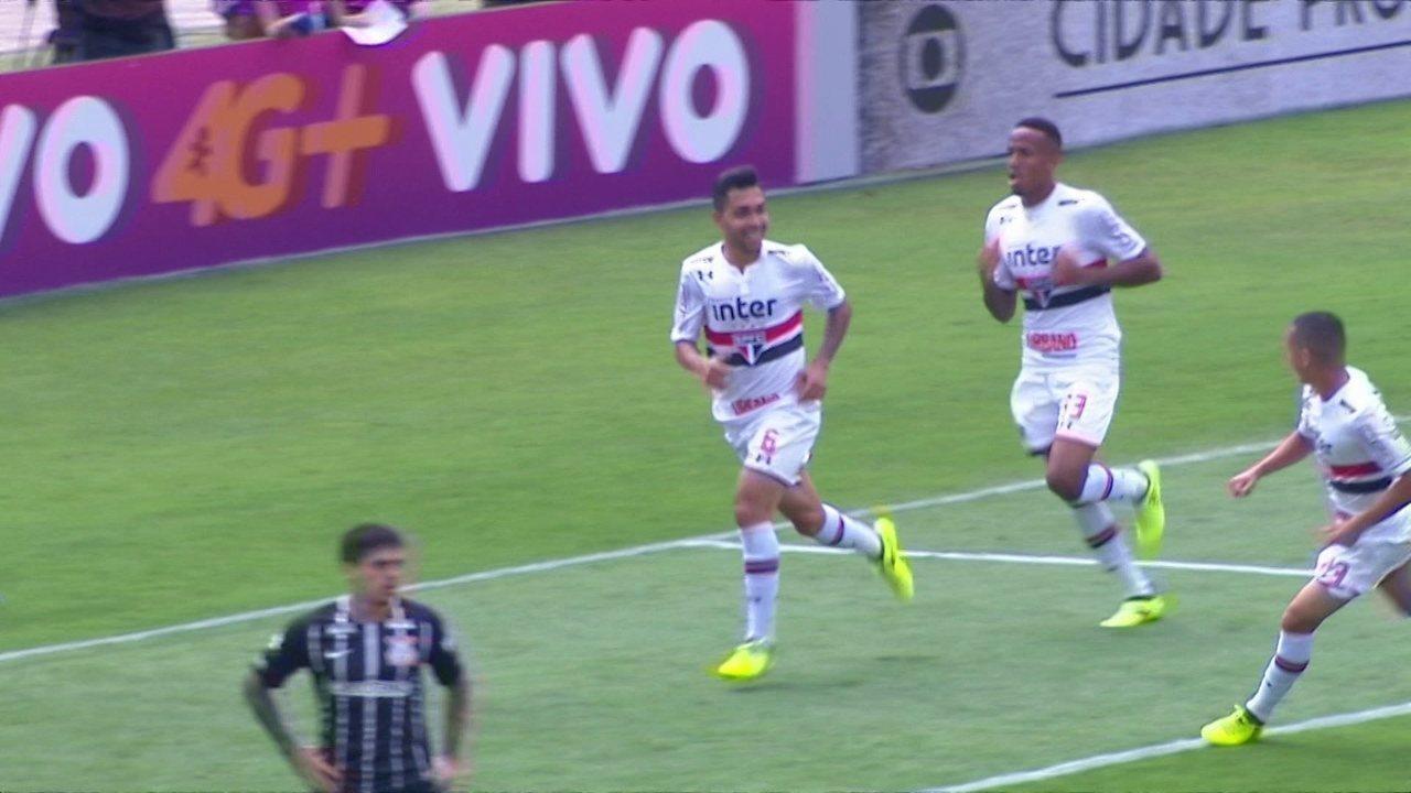 Gol do São Paulo! Petros tabela com Cueva, chuta direto e marca, aos 27 do 1º tempo