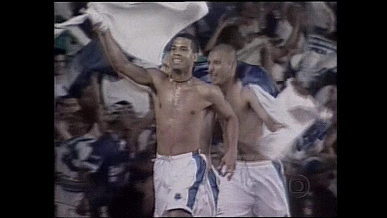 Em 2000, Cruzeiro vira o jogo em cima do São Paulo e conquista a Copa do Brasil