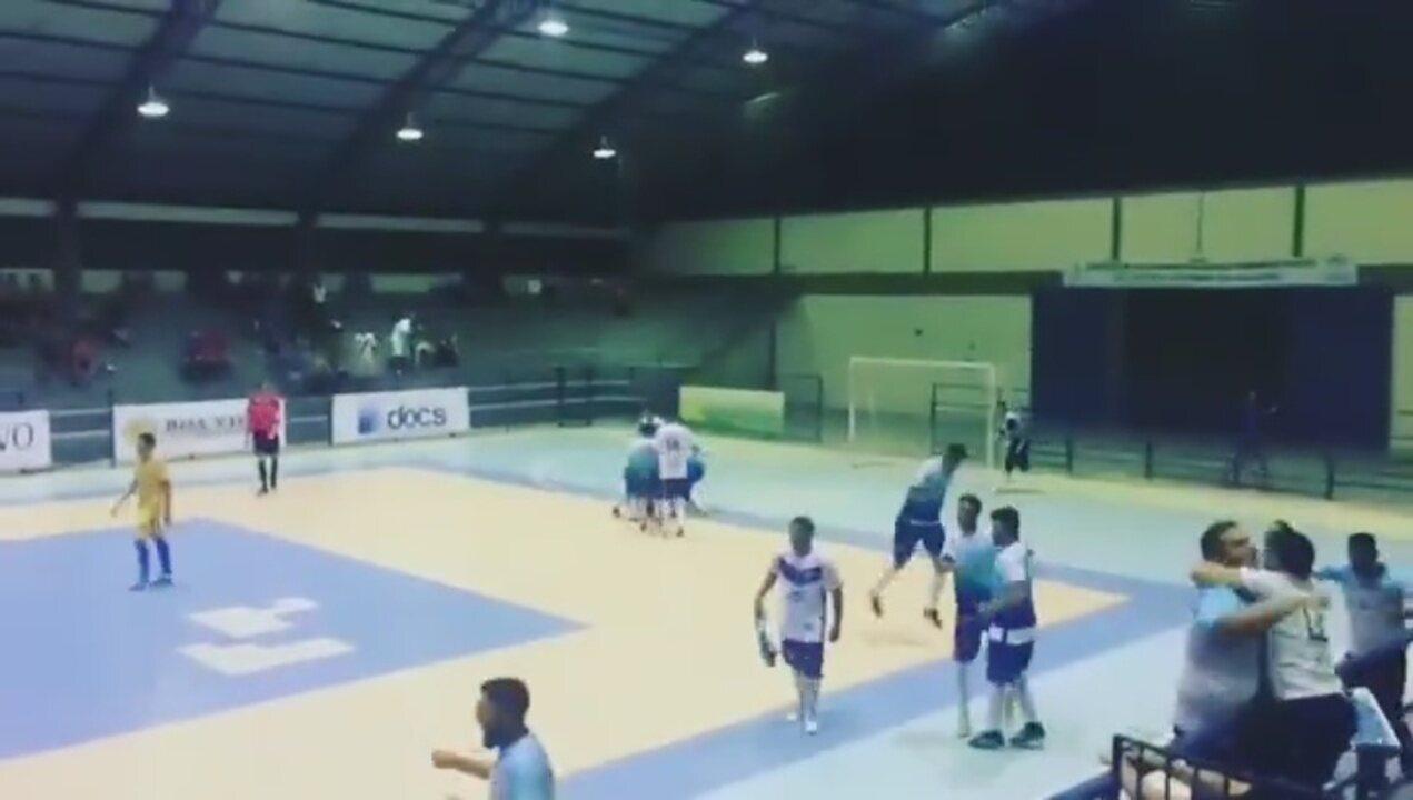 Goleiro do Vivaz marca gol da vitória no 1º jogo da final da Taça Cidade de Boa Vista de Futsal