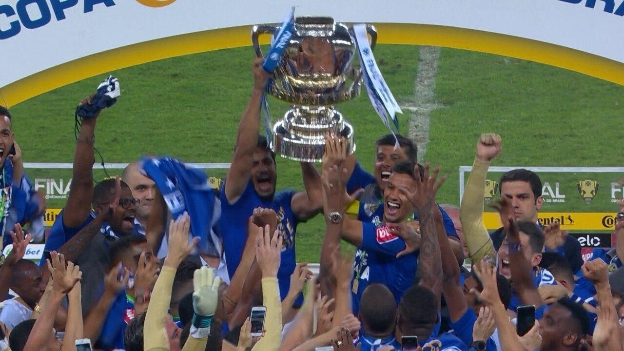Cruzeiro faz a festa e conquista a Copa do Brasil de 2017