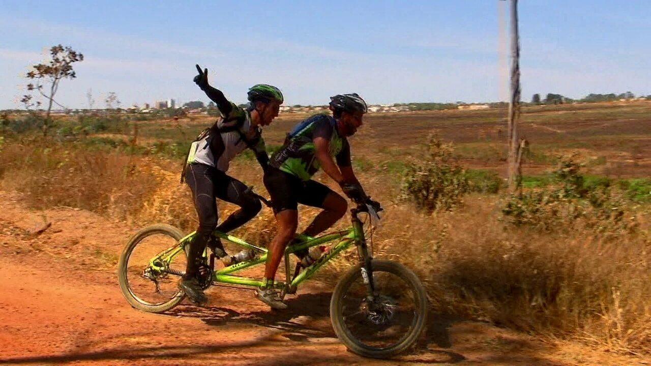 213e59bd13 Pedalando  acompanhe uma corrida de mountain bike na Floresta Nacional