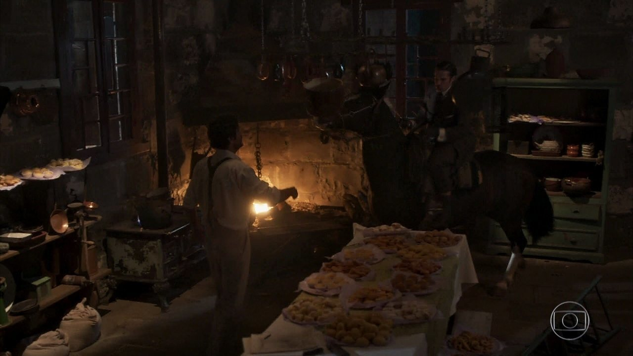 Reveja a cena: Fernão destrói os doces de Henriqueta, e Inácio não consegue impedir
