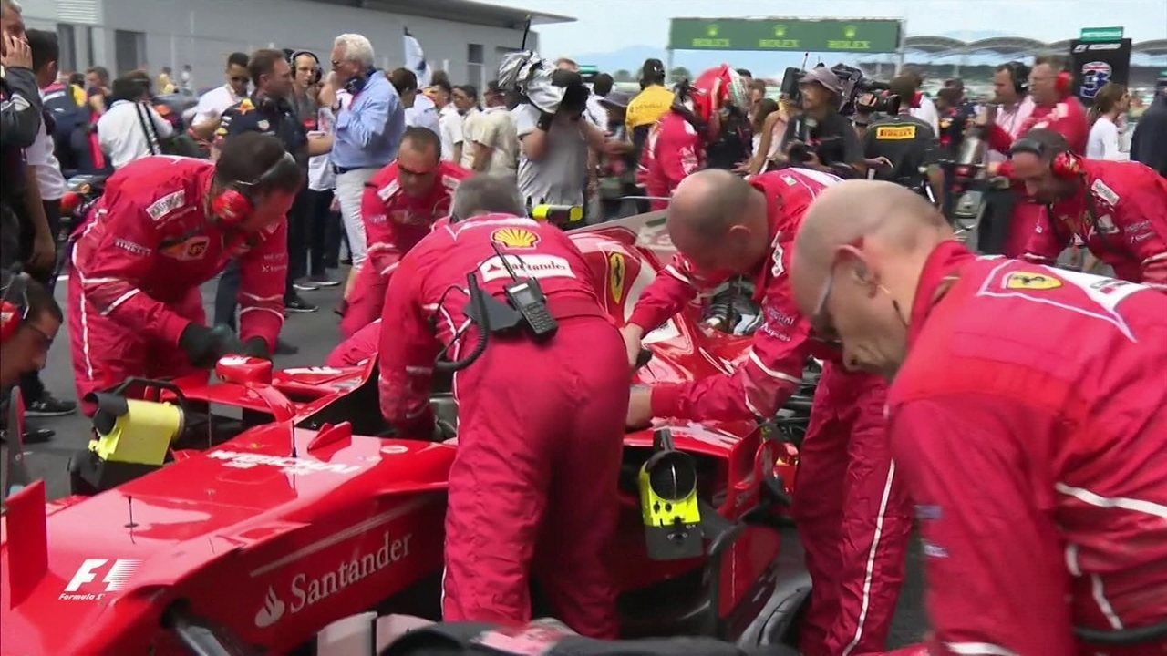 Corrida nem começou e a Ferrari de Raikkonen já tem problemas!