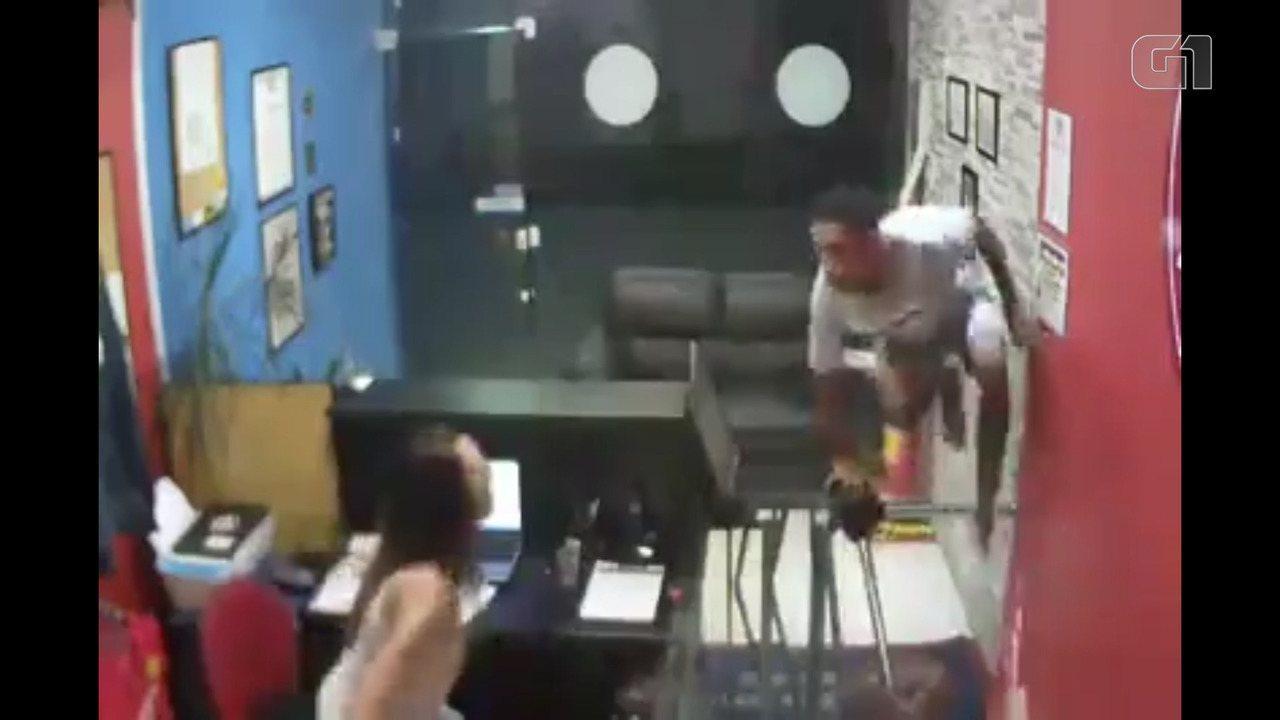 Resultado de imagem para Bandidos tentam assaltar academia Gracie em Nova Iguaçu