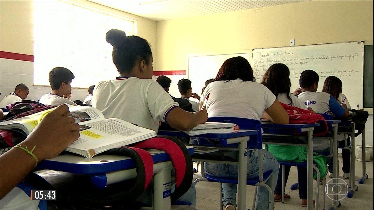 Exigência de frequência escolar transforma vida de beneficiários do Bolsa Família