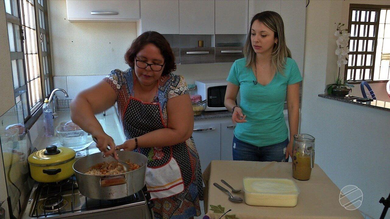 Franciane conclui o desafio e vai pra cozinha aprender bobó de galinha.