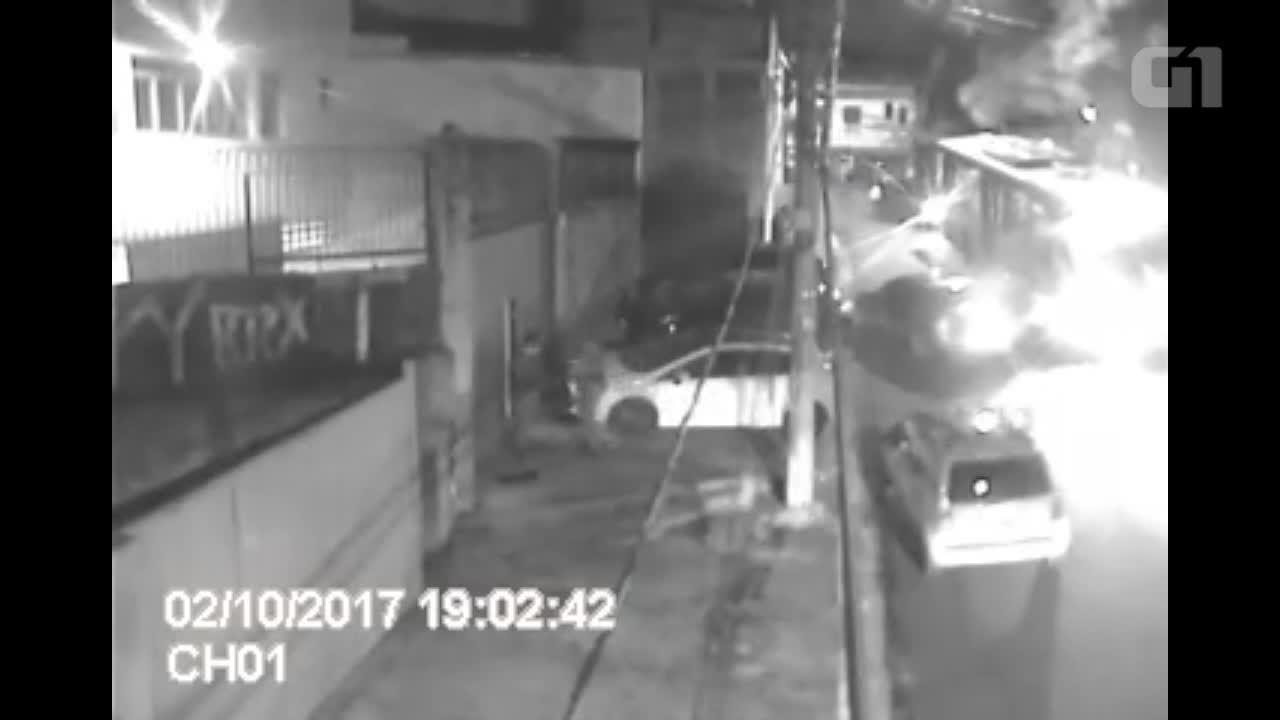 Vídeo mostra ação da polícia que prendeu quadrilha que construiu túnel