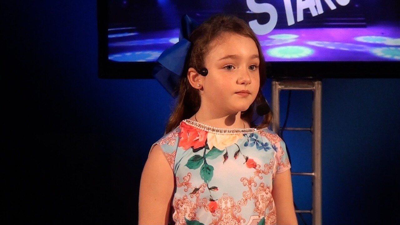 Apresentação de Maria Júlia na terceira fase do Mini Stars