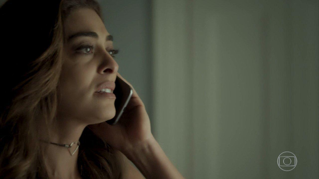 Bibi pede ajuda a Alessia para voltar ao Rio de Janeiro