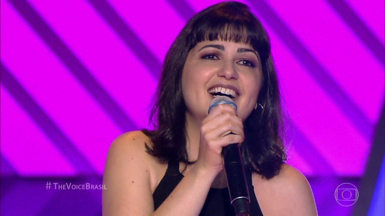 Juliana Cortes canta 'Ponta de Areia'