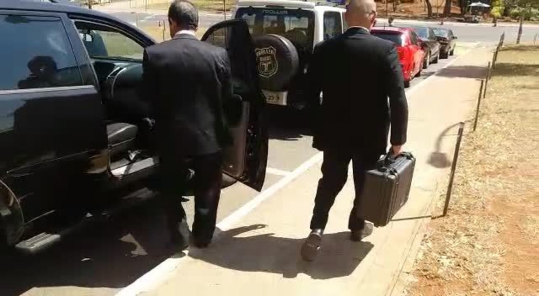 PF deixa Câmara após cumprir mandados no gabinete do deputado Lúcio Vieira Lima