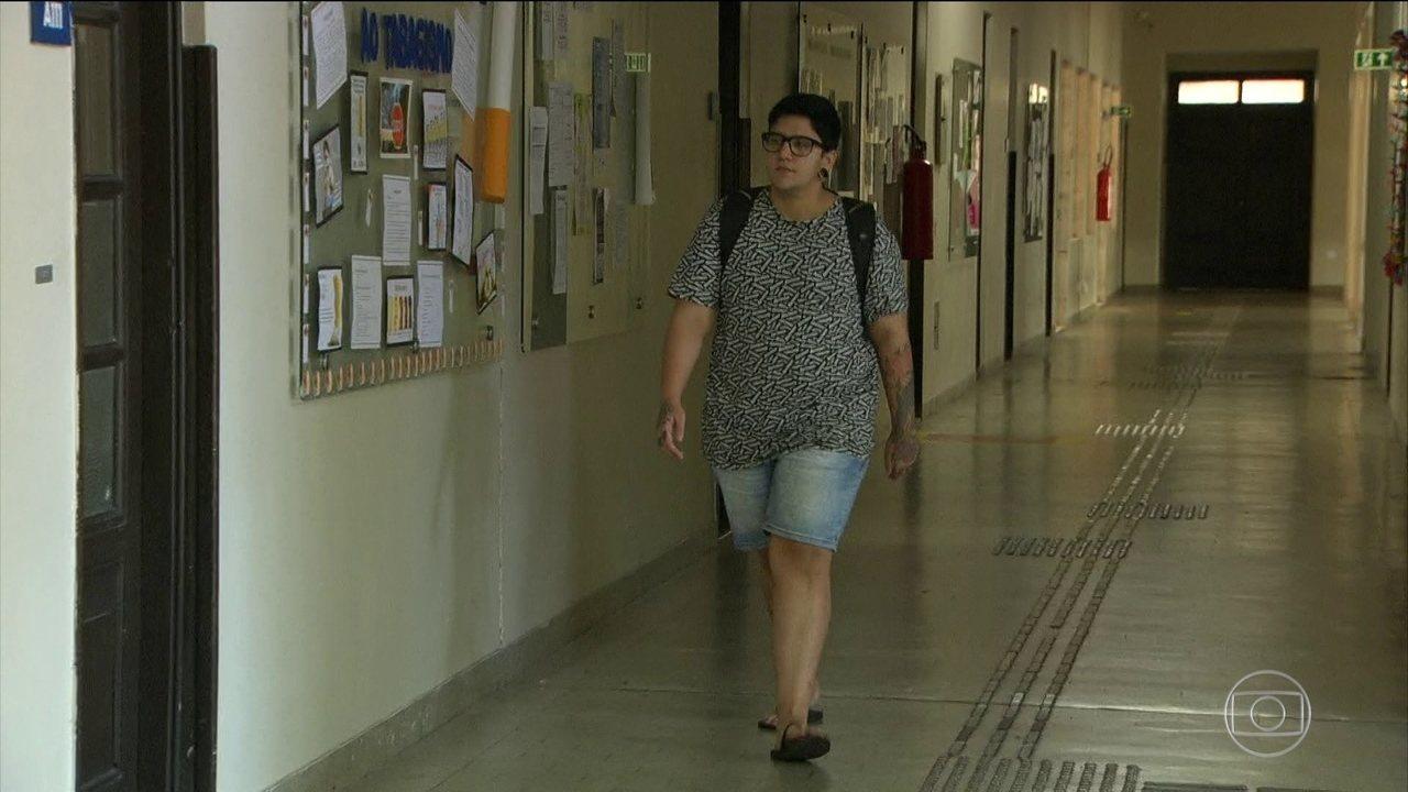 Conselho de Educação quer que escola reconheça nome escolhido por transexuais e travestis