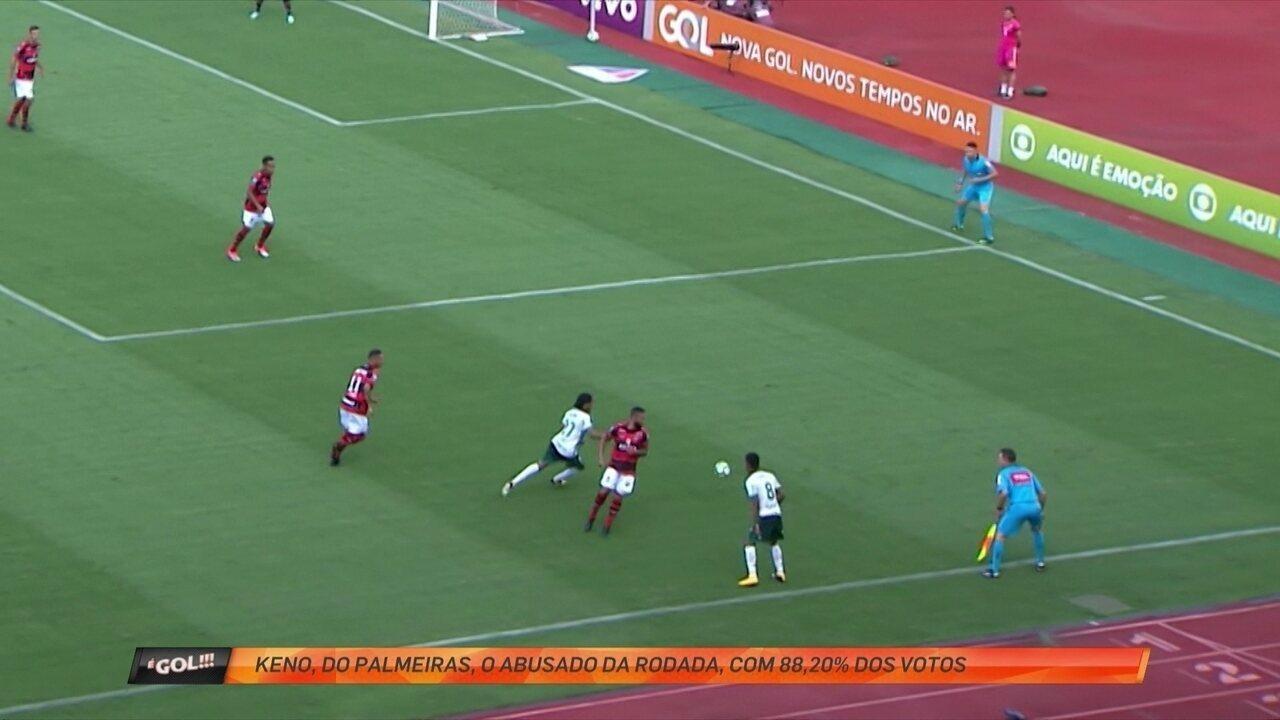 Keno, do Palmeiras, dá show de habilidade e é o