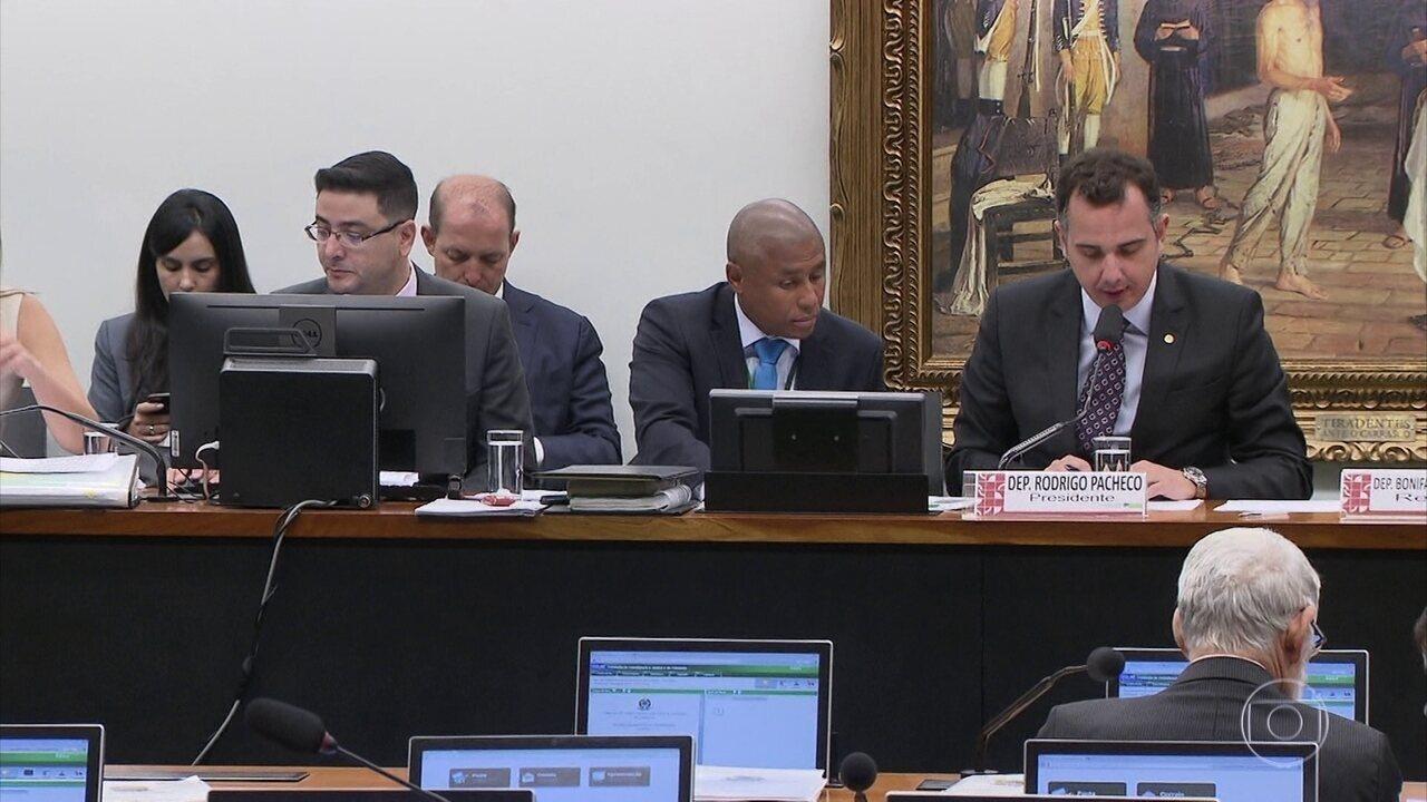 CCJ continua a discussão sobre a segunda denúncia da PGR contra o presidente Temer