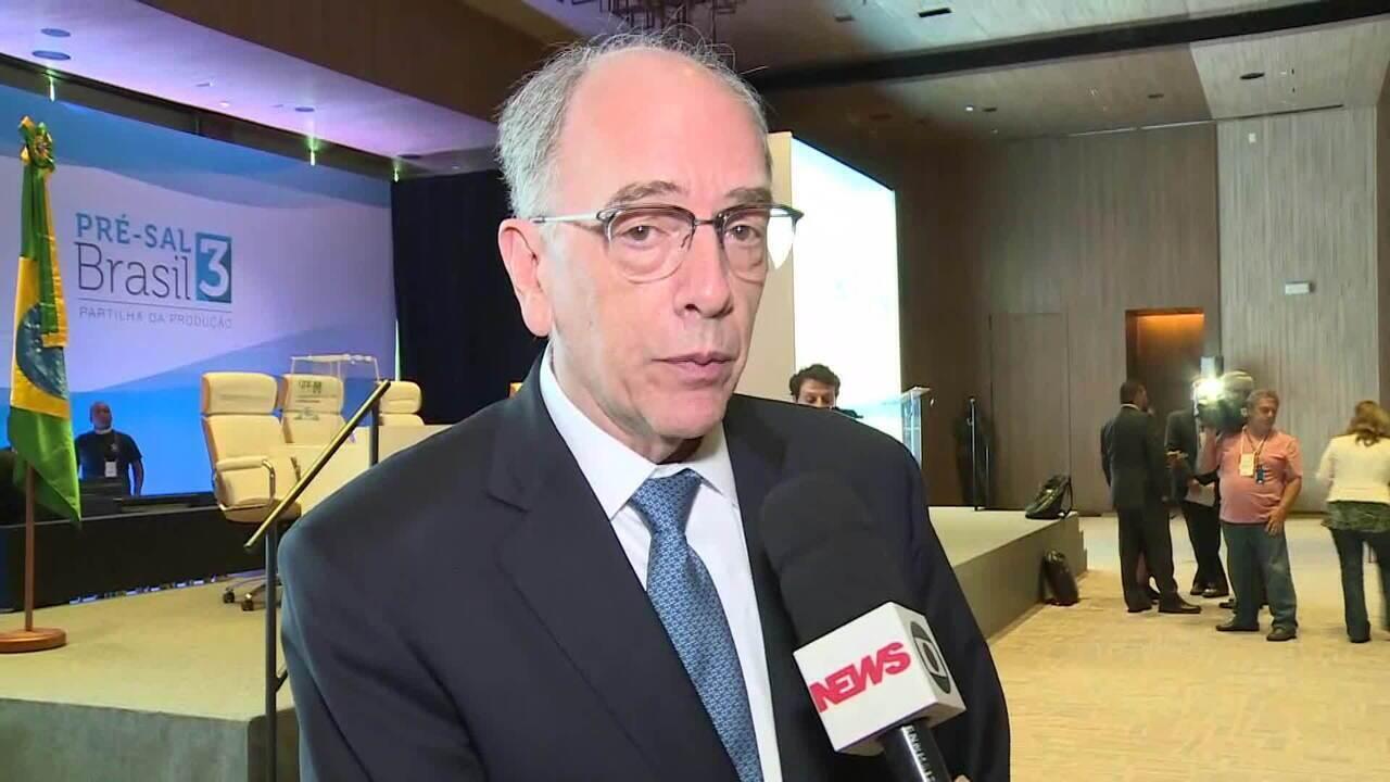 Petrobras oferece ao governo até 80% da produção do pré-sal e leva três blocos em leilão