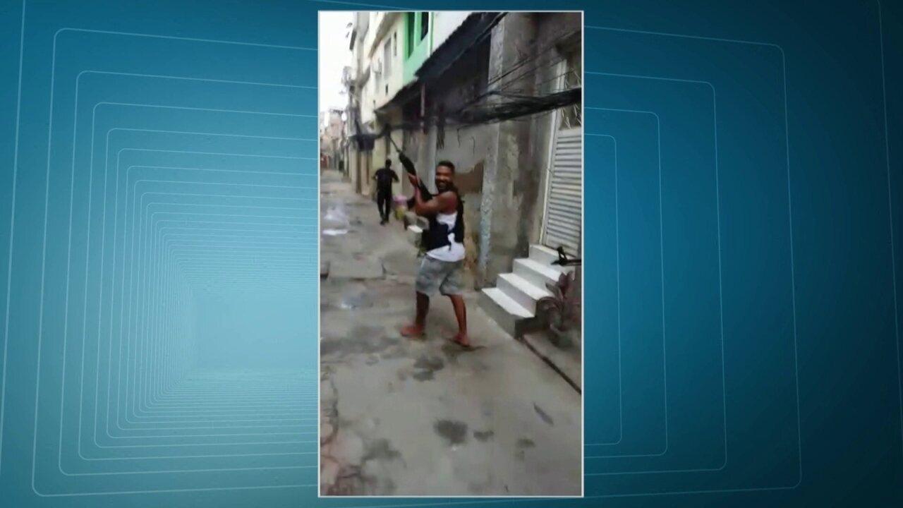 Bandidos filmam invasão da favela em Cordovil