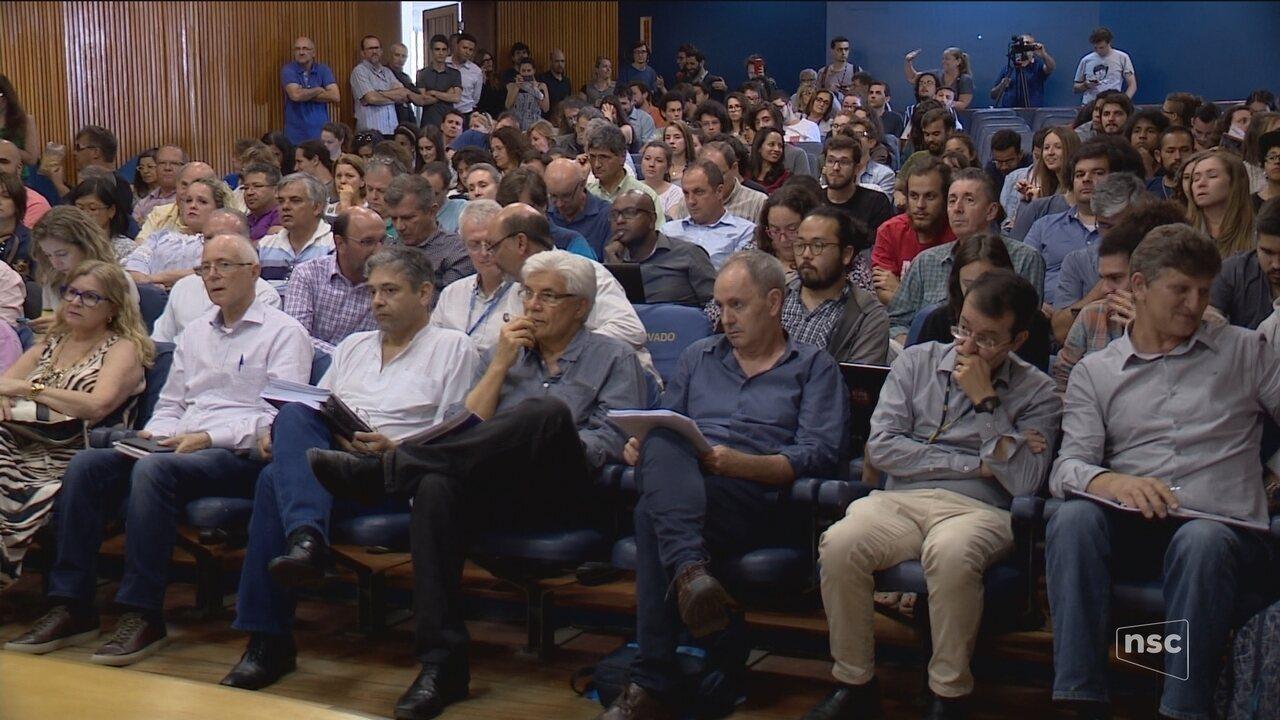 Conselho da UFSC discute eleições para escolher novo reitor