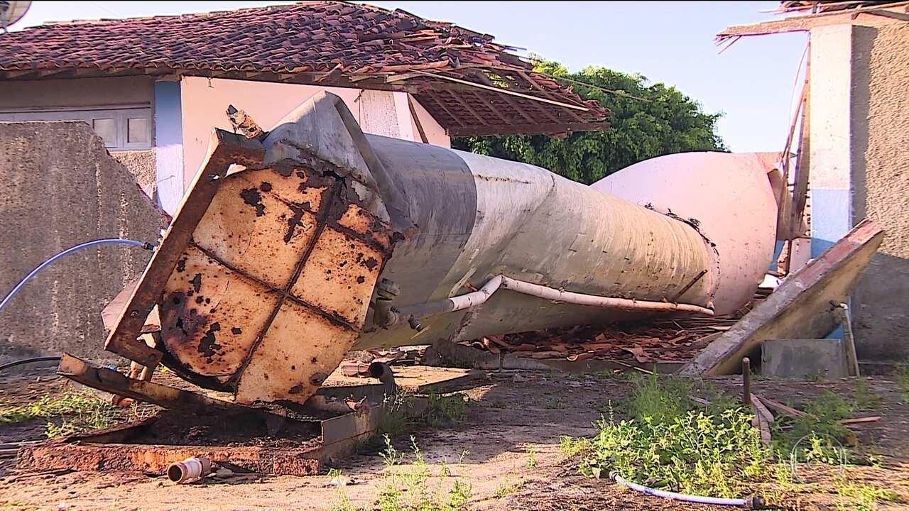 Caixa d'água de escola despenca e mata duas crianças, em Sergipe
