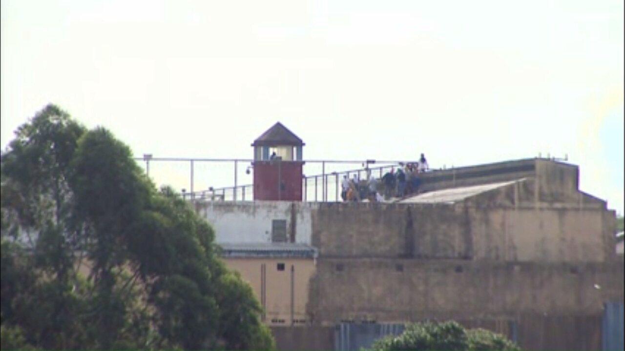 Rebelião deixa presidiário morto e um agente penitenciário ferido no PR