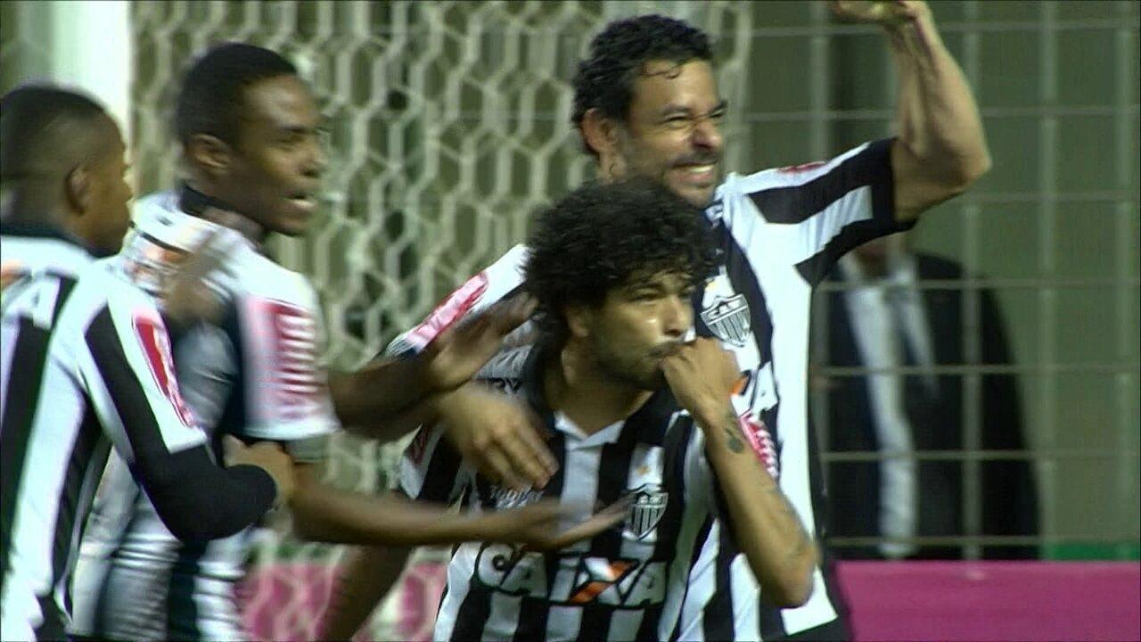 Atlético-GO leva gol de lateral na derrota para o Galo: veja o lance