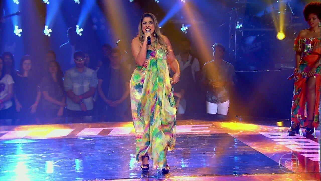 Deborah Vasconcellos se apresentou em mais uma noite de 'The Voice Brasil'