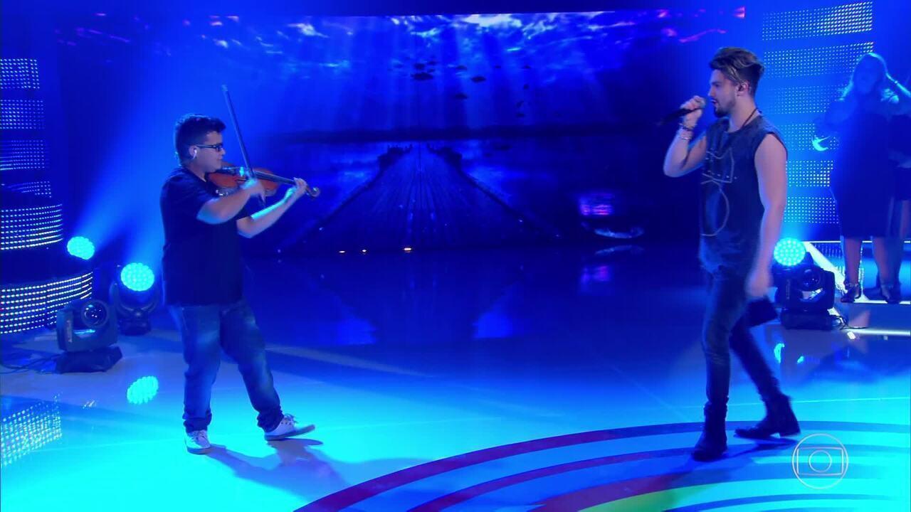 Luan Santana realiza sonho de Violinista
