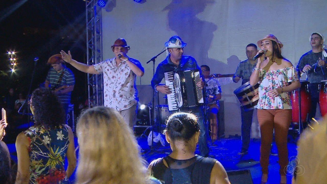 Forró anima público durante Manaus ao Luar