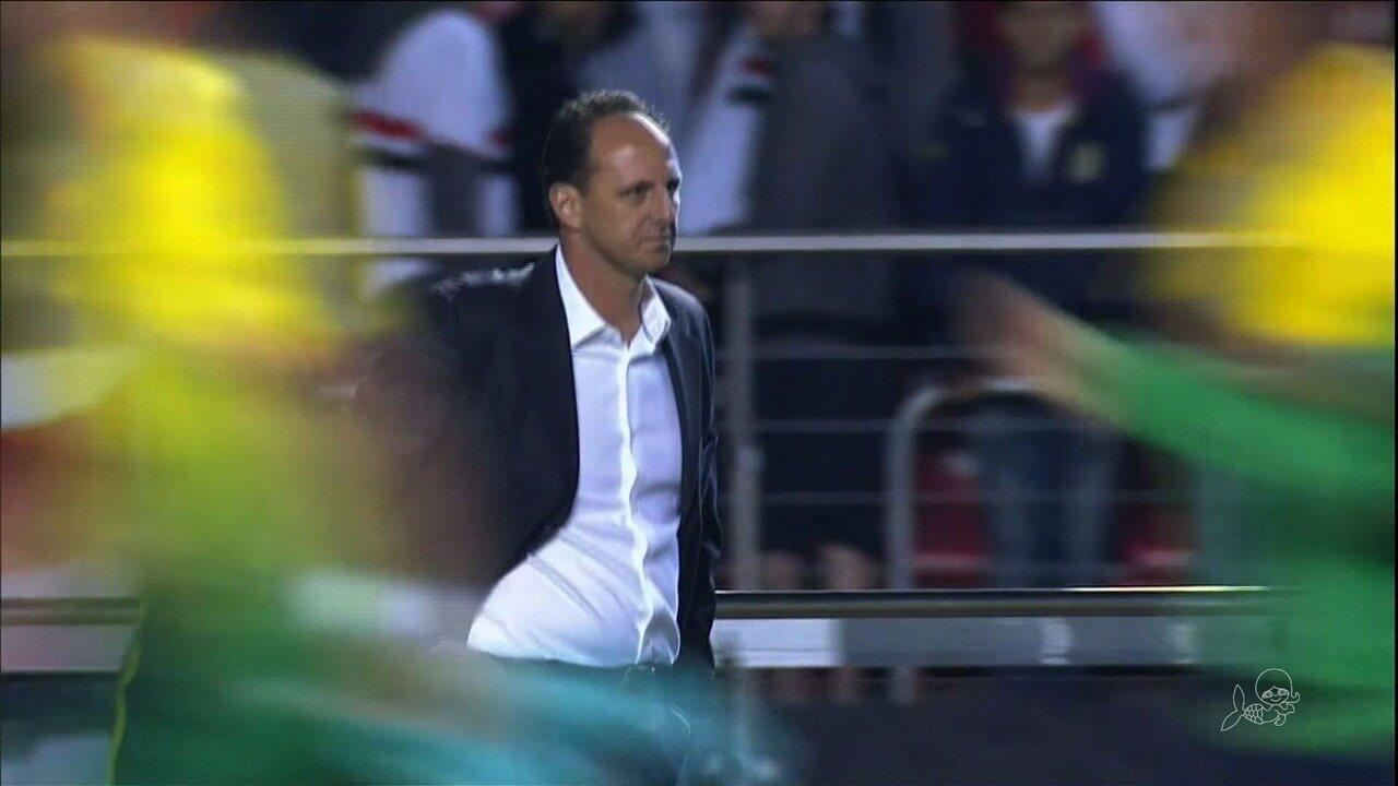 Comparado a Ronaldo, Ceni exalta recomeço no Fortaleza: