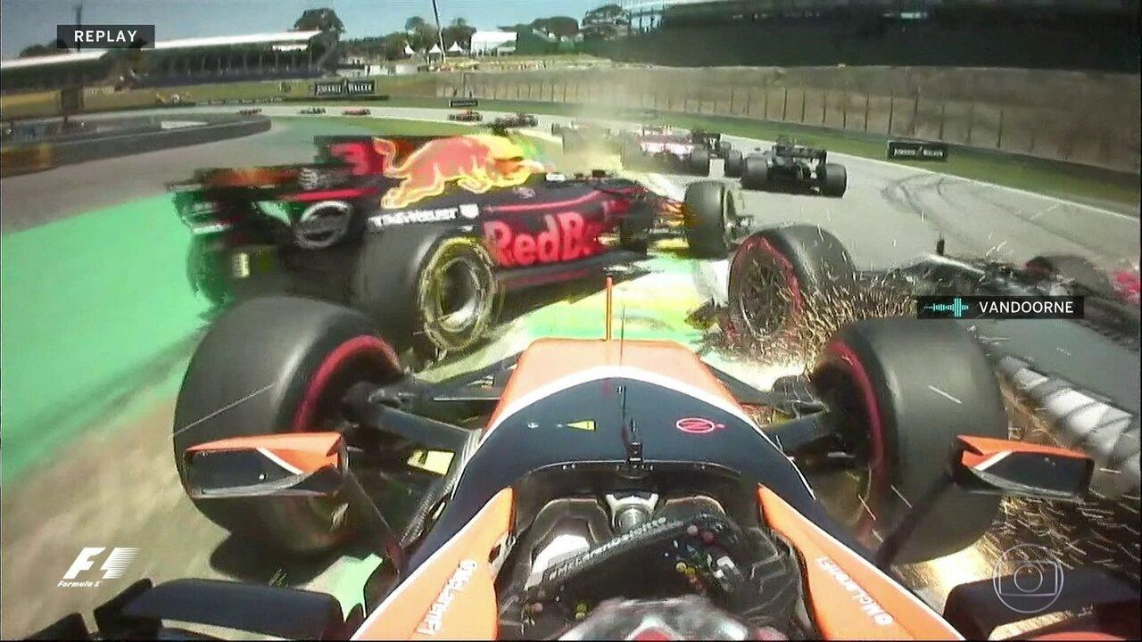 Acompanhe a confusão na largada do GP Brasil por todos os ângulos