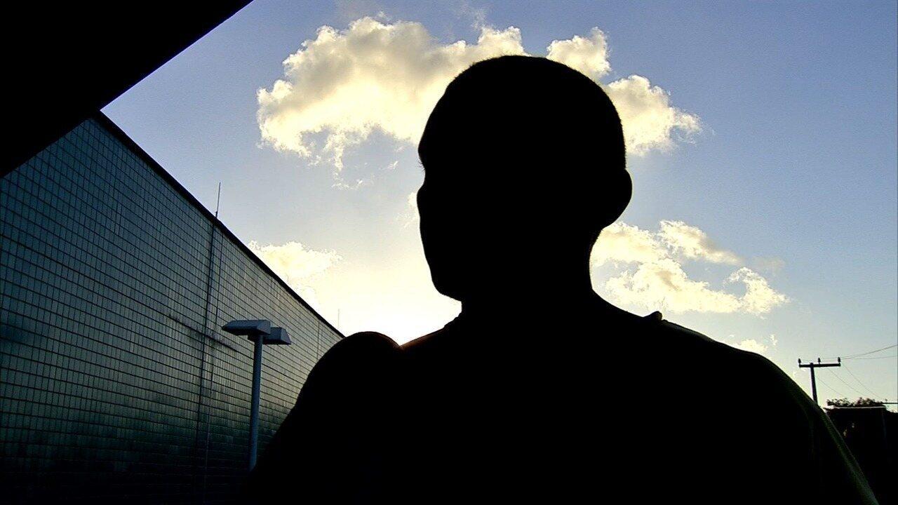 Pai de adolescentes morto em centro socioeducativo nega envolvimento de filho em facção