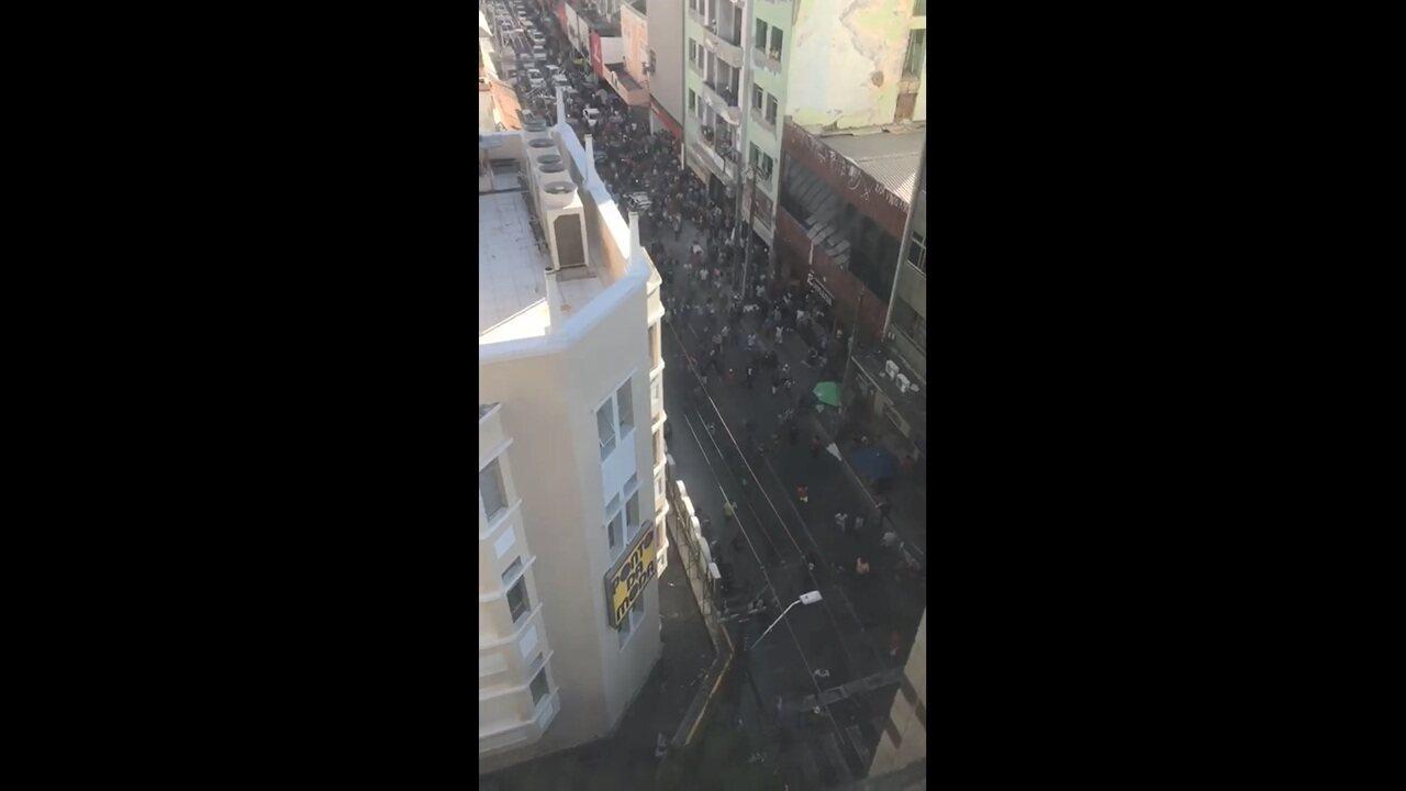 Assalto em loja no Centro de Fortaleza gera tumulto e correria