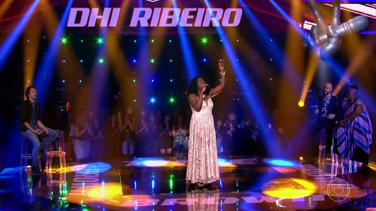 Dhi Ribeiro canta