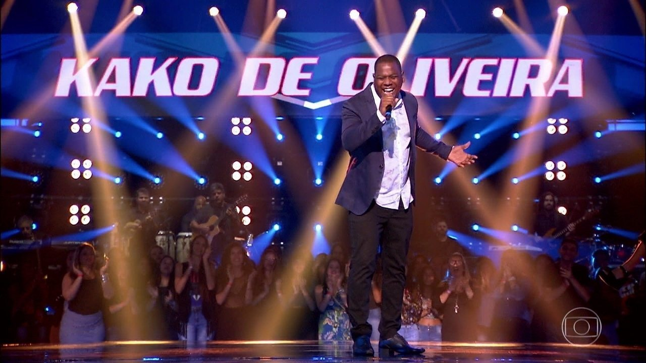 Kako de Oliveira canta