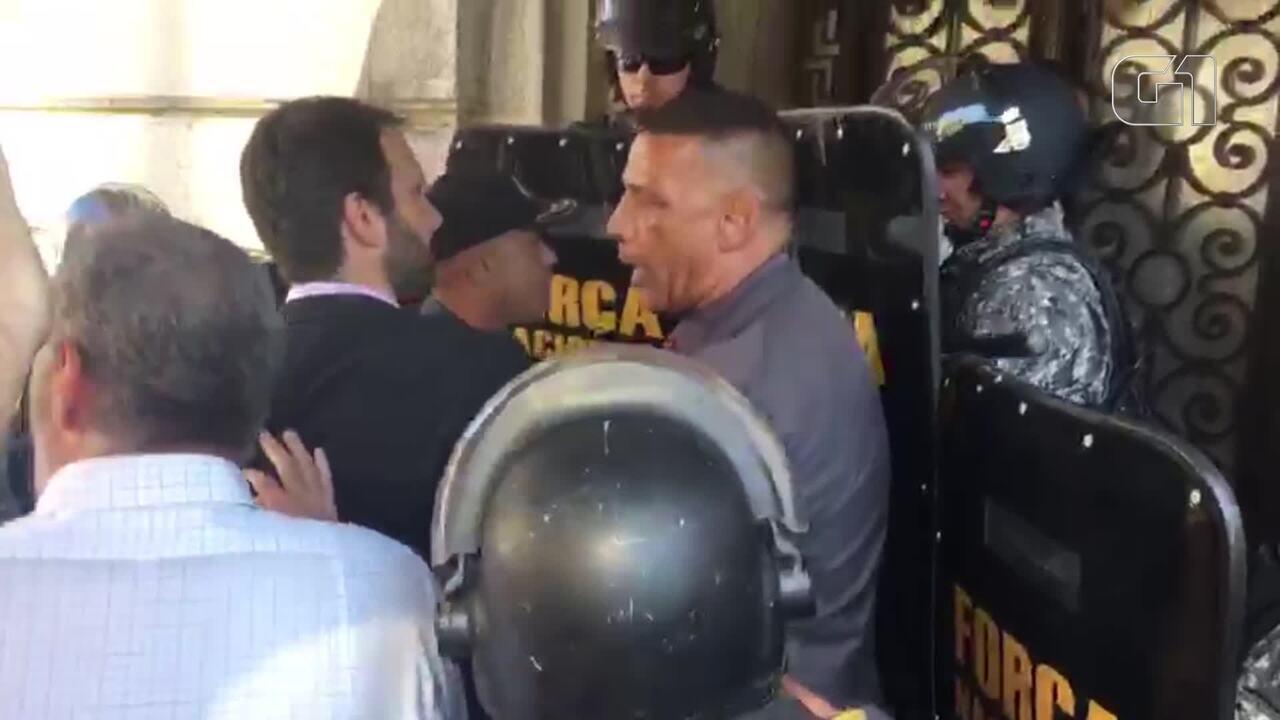 Oficial de Justiça é impedido de entrar na Alerj