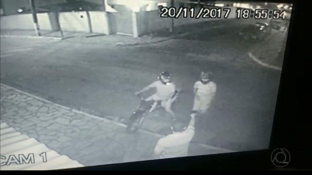 Bebê e mulher ficam feridos em tiroteio após homem reagir a assalto em João Pessoa