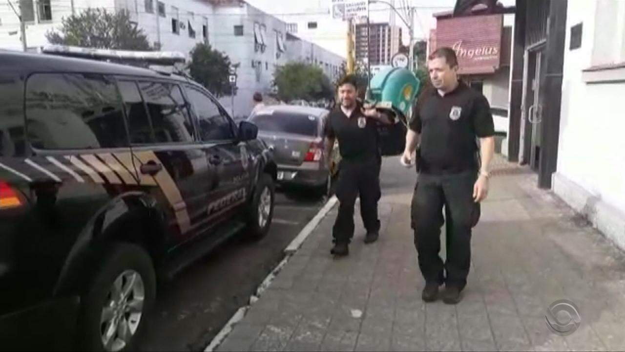 Operação da PF prende suspeitos de fraudes em licitações de transporte escolar no RS