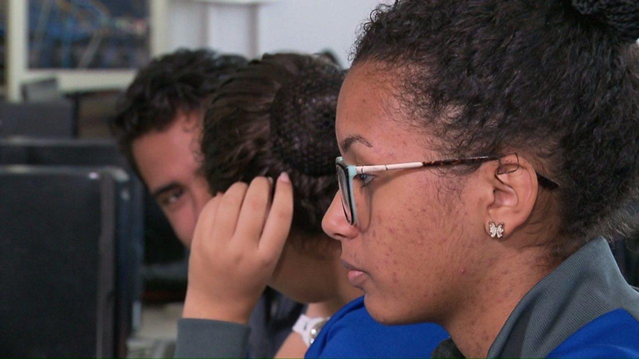 Em Cascavel professor é denunciado por mandar imagens íntimas para aluna