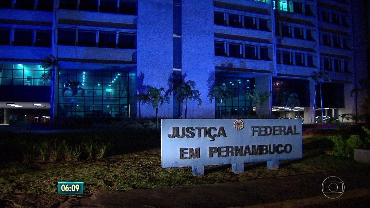 Polícia Federal prende 10 investigados na Operação Torrentes
