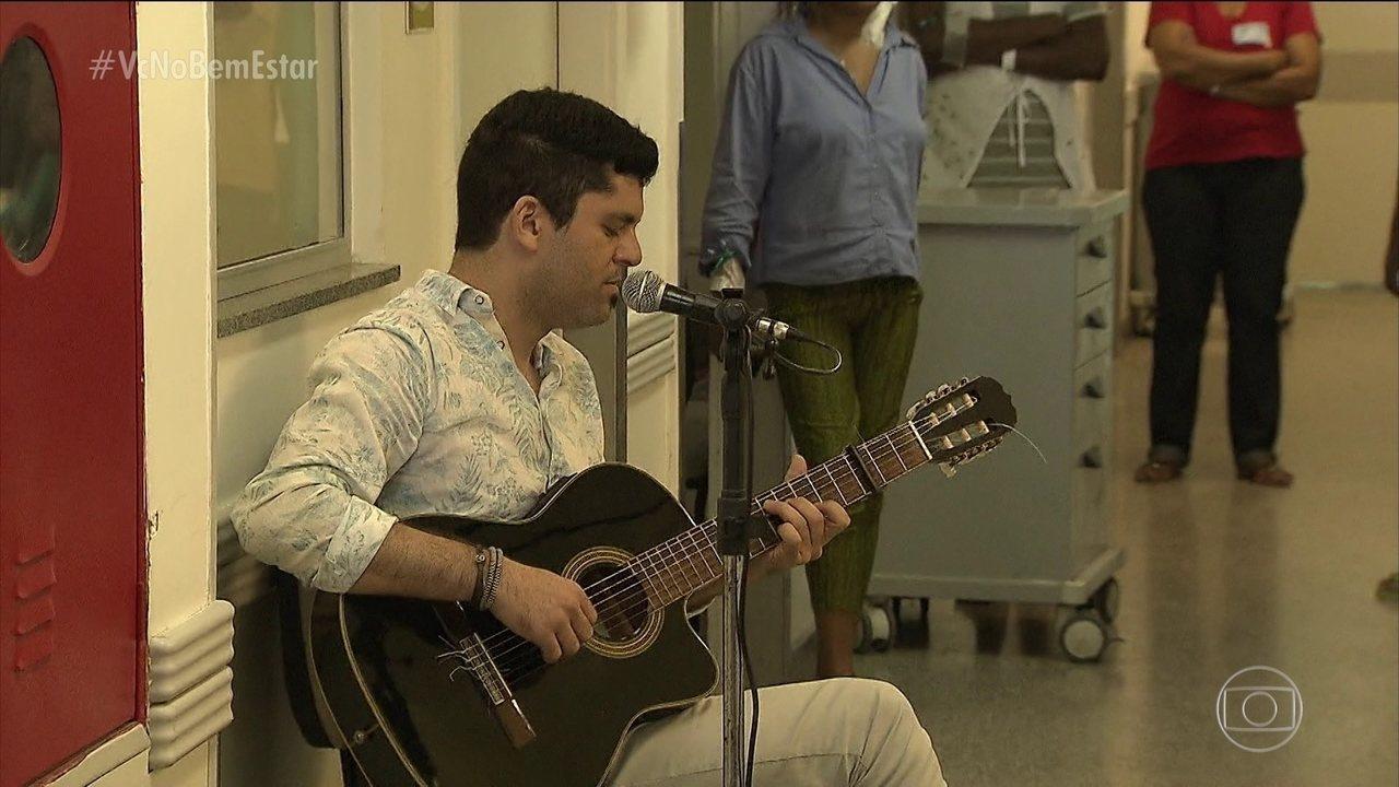 Tratamento em UTI de Salvador inclui música até para os pacientes desacordados