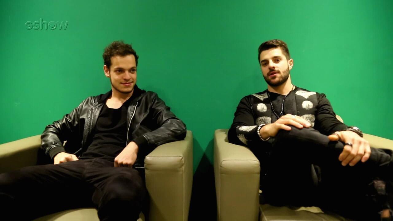 Gêmeos não idênticos, irmãos Alok e Bhaskar Petrillo contam um pouco da rotina de shows